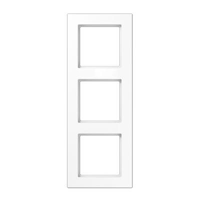 Jung A creation Белый Рамка 3-постовая купить в интернет-магазине Азбука Сантехники
