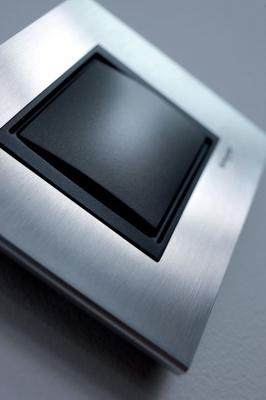 Schneider Electric Unica Top Грей/Графит Рамка 1-ая купить в интернет-магазине Азбука Сантехники